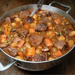 Beef Stew (Beef Bourguignon) with Lots of Vegetables <h6> – Low Carb, Gluten Free, Dairy Free</h6>