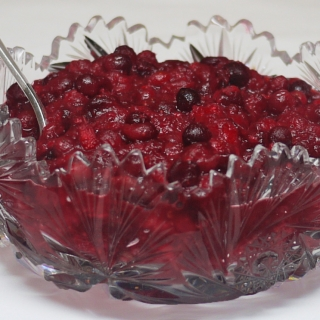 Sugar Free Cranberry Sauce with Pineapple and Ginger <h6>Low Carb, Paleo </h6>