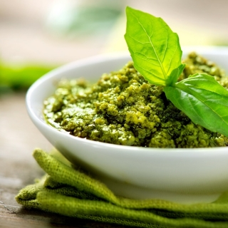 The Best Pesto Recipe <h6> – Low Carb, Gluten Free </h6>